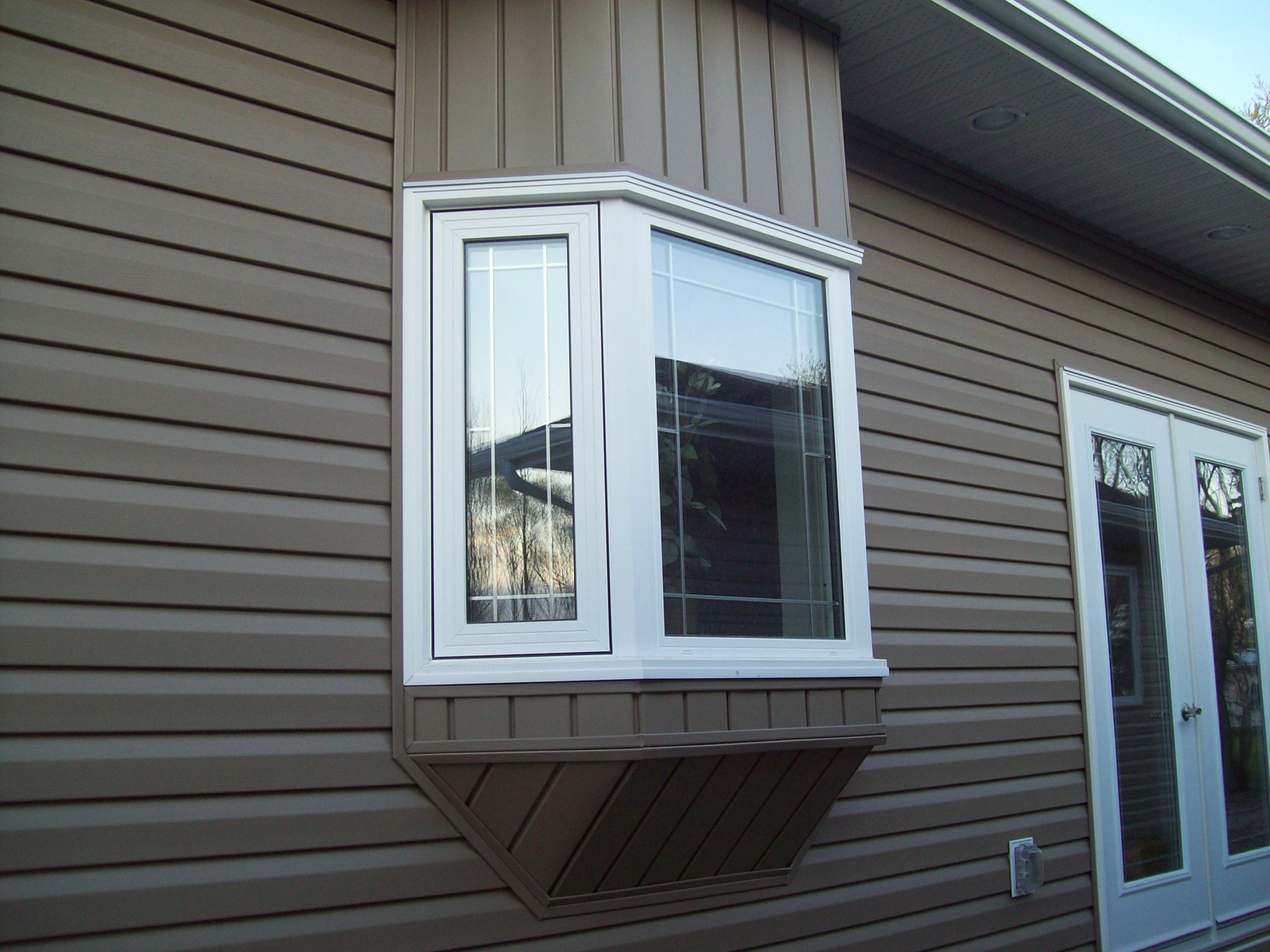 Soleil Siding Eavestroughing Vinyl Fibre Cement Wood